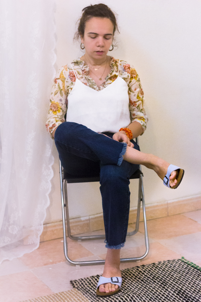 how-to-style-a-floral-ruffled-shirt-fashion-paradoxes-photos-2-2