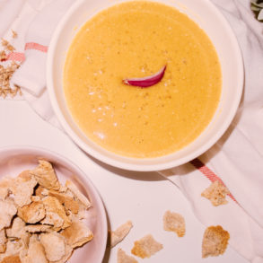 Egyptian Yellow Lentil Soup with Bread